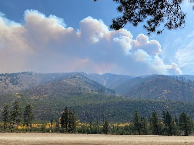 Boundary wildfire burns near Stanley