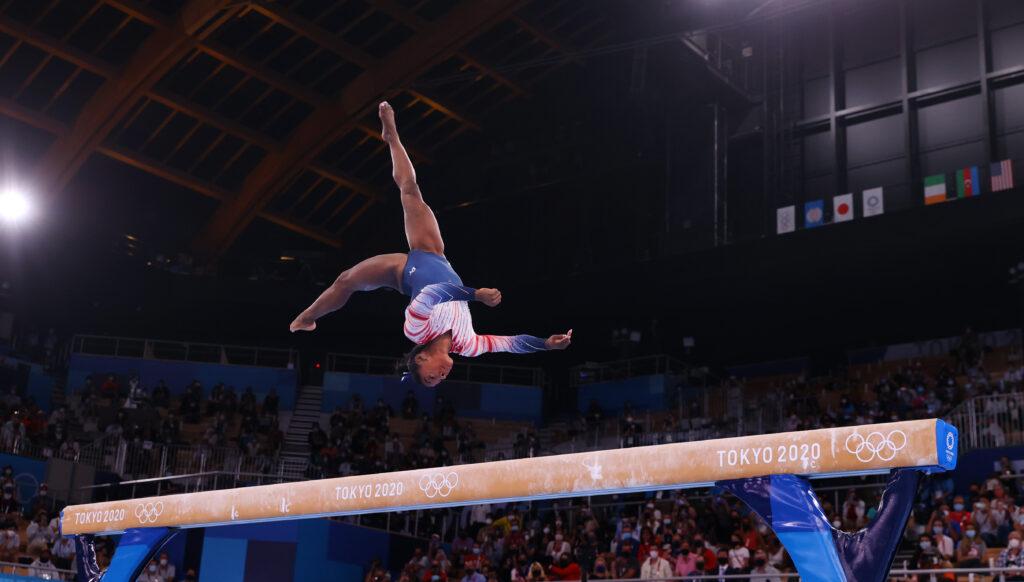 Simone Biles on balance beam