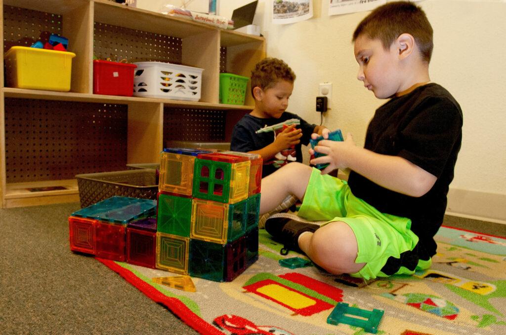 kids play at Giraffe Laugh care center