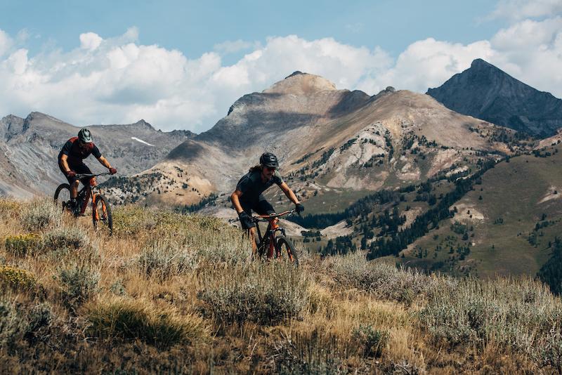 Photo of two people mountain biking in Idaho foothills near Sun Valley